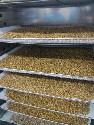 Phương pháp làm khô dược liệu thủ công bằng máy sấy lạnh